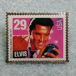 🎁NWOT ELVIS STAMP PIN 🎁 1992 Perfect Condition